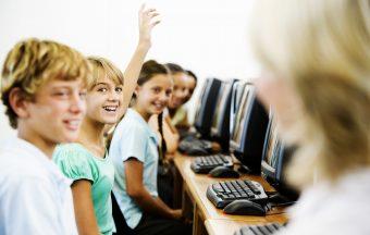 Médias sociaux et technologies dans le milieu scolaire